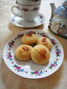 Nankhatai or nankatai is a small cookie, believed to have originated in Gujrat, India. Similar in texture to the British shortbread and the French sablés, it gets itscharacteristicflavour from sp…