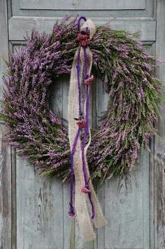 ۞ Welcoming Wreaths ۞ DIY home decor wreath ideas - lavender wreath Diy Wreath, Door Wreaths, Grapevine Wreath, Wreath Fall, Wreath Ideas, Lavender Cottage, Lavender Blue, Lavander, Deco Floral