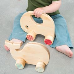 Bamboo Whale and Elephant push toys // Petit Collage Wooden Baby Toys, Wood Toys, Wooden Toys For Kids, Wooden Toy Trucks, Wooden Crafts, Wooden Diy, Diy Crafts, Woodworking For Kids, Woodworking Projects