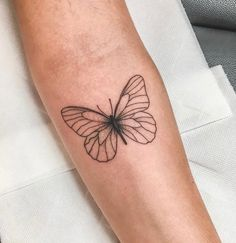 Top Fashion Tattoos – Tattoos That Marked This Year Dainty Tattoos, Subtle Tattoos, Cute Small Tattoos, Pretty Tattoos, Rose Tattoos, Body Art Tattoos, Girl Tattoos, Sleeve Tattoos, Tatoos