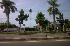 UPT Pengujian Kendaraan Bermotor Kota Cirebon Jalan Raya Kalijaga, Kecamatan Lemahwungkuk, Kota Cirebon, Jawa Barat, Indonesia. photo cp 20 Juli 2014