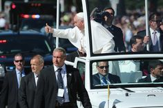 Pope Offers Classic Sunday Sermon To Move The Faithful On Last Day In U.S.