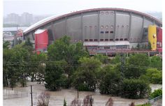Flooded Calgary surreal say Vancouver visitors
