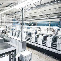 inside f&w #fundw #theartofprint #makeprintgreatagain #druckerei #druckmaschine #fw-medien.de #heidelbergdruckmaschinen #xl106 Aga, Instagram, Design, Print Store