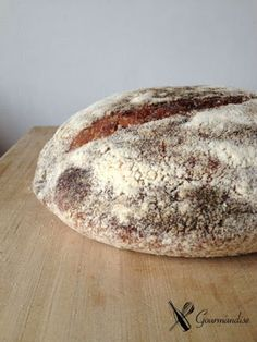 corn meal and fennel sourdough bread (pão de fubá e erva doce com fermento natural)