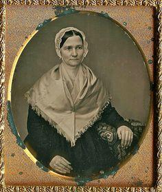 +~+~ Antique Photograph ~+~+ 1/6th-Plate Daguerreotype of Quaker Woman, circa 1850