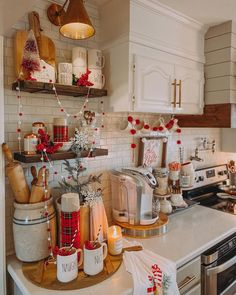 Christmas Kitchen, 12 Days Of Christmas, Rustic Christmas, Christmas Ideas, Christmas Decorations, Cottage Kitchens, Country Kitchens, Coffe Bar, My Coffee
