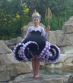 How to Make the Most Awesome Ursula Costume · It's Sew Rachel Sea Witch Costume, Witch Costumes, Disney Halloween Costumes, Diy Costumes, Disney Villain Costumes, Zombie Costumes, Devil Costume, Halloween Couples, Homemade Costumes
