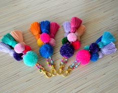 Pom pom keychain Pom pom bag charm Tassel keychain Purse Charm Boho keychain Handbag charm Tassel clip Pompom key chain Neon pink Mint