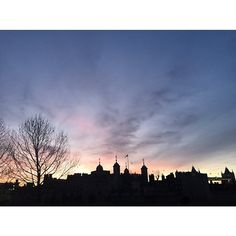 London  Early mornings  #fashion#creative#design#londoncalling#london#towerhill#toweroflondon#towerbridge#greatarchitecture#architecture#deco#sunset#sunrise#sky#blue#pink#black#silhouette#shadow#light#colour#earlymorning#morning#view#history#art#building#trip#walk#run by doruntinaazemi