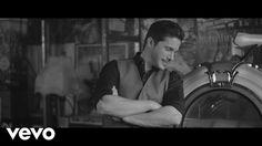 Νίκος Οικονομόπουλος - Είναι Κάτι Λαϊκά (Official Music Video 4K)
