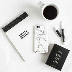 Black and white minimal flatlay Pc Photo, Photo Work, White Feed, Flat Lay Inspiration, Study Inspiration, Foto Poster, Black And White Aesthetic, Black White, Gray Aesthetic