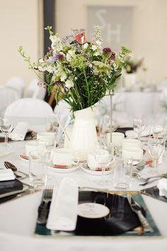 An Elegant & Contemporary Yacht Club Wedding: Hannah & Steve Space Wedding, Wedding Dj, Summer Wedding, Wedding Engagement, Wedding Venues, Engagement Ideas, Wedding Reception, Wedding Stuff, Wedding Flowers