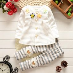 Baby Girl Clothes Spring Autumn Floral Long Sleeved T-shirt Pants Outfit Cardigan Jackets + Gray Stripe Leggings Kids Bebes Suit Winter Outfits For Girls, Toddler Boy Outfits, Girl Outfits, Baby Girl Newborn, Baby Girls, Girl Falling, Newborn Outfits, Baby Girl Fashion, Fashion Kids