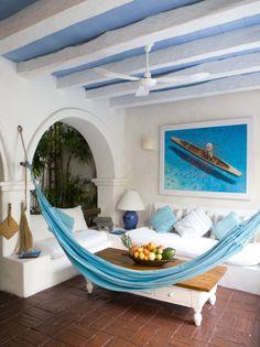 A hammock inside? Small Room Decor, Small Rooms, Giraffe Room, Indoor Hammock, Sunrooms, Modernism, Coastal Living, Interior Design Inspiration, Contemporary Furniture