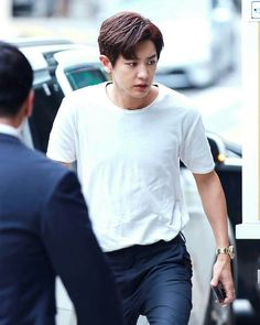 chanyeol on his way to pick the triplets up from school