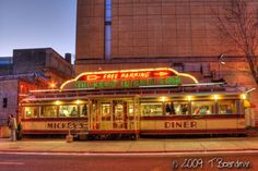 Mickey's Diner at dawn ©Teresa Boardman