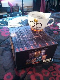 Harry Potter mug - Sharpies + 30 min in the oven