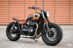 Jeep Wrangler Discover Black Art: A different way to build a Triumph Bobber Got a new Triumph Bonneville but fancy a classic bobber vibe? Take inspiration from this converted Black by Frances BAAK Motocyclettes. Triumph Bobber, New Triumph Motorcycles, Triumph Bonneville Custom, Triumph Cafe Racer, Bobber Bikes, Indian Motorcycles, Cafe Racer Bikes, Bobber Motorcycle, Cool Motorcycles