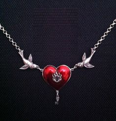 Lockheart and Key Necklace on Etsy, £18.50