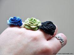 Crochet Flower Rings Christy Fisher-how adorable are these? Crochet Puff Flower, Crochet Flower Patterns, Love Crochet, Crochet Flowers, Knit Crochet, Knit Lace, Easy Crochet, Crochet Crafts, Yarn Crafts