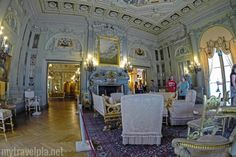The Breakers Morning Room Decorated For The Holidays The