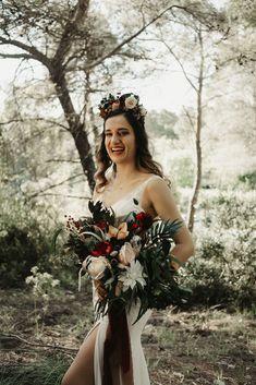#izmirdugunfotografcisi #izmirdugunhikayesi #dugunfotografcisi #dugunfilmi #dugunhikayesi #izmirdüğünfotoğrafçısı #weddingdress #wedding #dugunklibi #dugun Bell Sleeve Dress, Bell Sleeves, Boho Wedding Dress, Wedding Dresses, Crochet Lace Dress, Wedding Photos, Wedding Photography, Bohemian, Wonder Woman