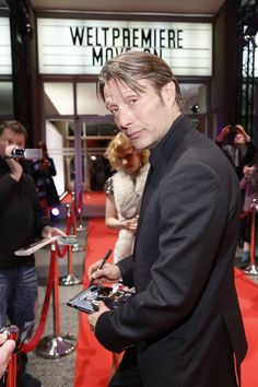 The stars of Move On - Mads Mikkelsen - www.move-on-film.com