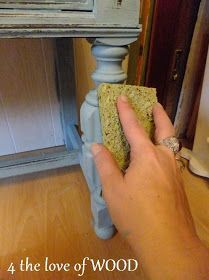 THE ART OF WET DISTRESSING chalk paint - tutorial, using a wet scrubby sponge