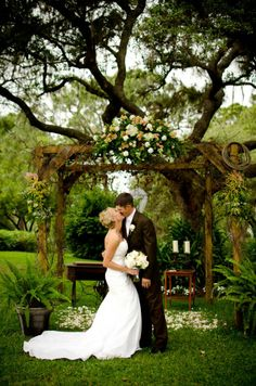 Love this archway! Had to repin this because they are both great friends of mine! <3