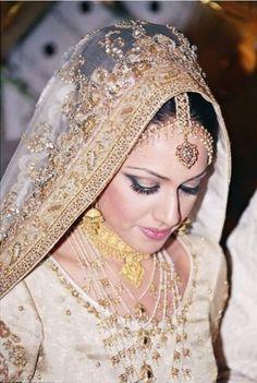 indian-brides-bridal-wedding-dress-pakistani-brides-bridal- wedding-dress-formalparty-dress-casual-cheap-dress-2012-5