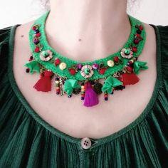 Keçe kolyenin boyunda duruşu 🤗#kolye #tasarımkolyeler #handmadejewelry #jewerly #accessories #silver #silverclay #fashion #women #bohostyle… Mary Jane Pumps, Erdem, Fabric Jewelry, Crochet Flowers, No Frills, Bag Accessories, Womens Fashion, Bags, Necklaces