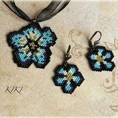 Forget me nots jewelry set #peyote #set #jewelry #jewellery #unique #handmade #beadedpendant #beadedearrings #beadedjewelry #beadedjewellery #handmadejewelry #handmadejewellery #forgetmenot
