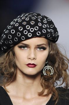 Christian Dior creates a Bonnie Clyde style beret updated with grommets. Headdress, Headpiece, Christian Dior, Fashion Accessories, Hair Accessories, Love Hat, Bandanas, Trends, Mode Inspiration