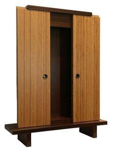 Resultado de imagem para butsudan Wood Furniture, Furniture Design, Tall Cabinet Storage, Locker Storage, Meditation Room Decor, Japanese Furniture, Home Altar, Little Buddha, Wall Fixtures