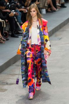 Chanel SS 2015 Fashion Show & more details