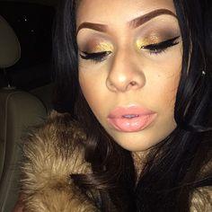 smokey eye nude lips perfect gold eyeshadow