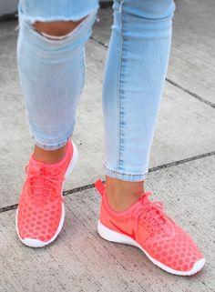 Nike Juvenate: Pink