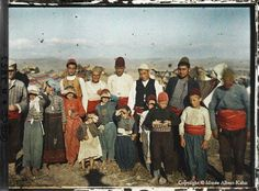 Albert Kahn - Photography for a Vision of World Peace Old Pictures, Old Photos, Nice Photos, Albert Kahn, Subtractive Color, Persecution, Color Photography, Albania, Slovenia