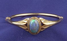 Jugendstil Armreif aus schwarzem Opal, Sloan & Co. Art Nouveau Black Opal Bangle Bracelet, Sloan & Co. Jugendstil Armreif aus schwarzem Opal, Sloan & Co. Opal Jewelry, Sea Glass Jewelry, Jewelry Art, Antique Jewelry, Vintage Jewelry, Jewelry Accessories, Fine Jewelry, Jewelry Design, Vintage Brooches