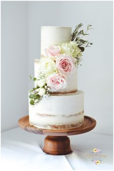Visual idea of a similar cake floral cascade on a semi naked cake. You are wishing for a slightly fuller cascade starting top left / right and finishing opposite side to the top at the base of the cake. Fresh Flower Cake, Fresh Flowers, Bake My Cake, Cream Wedding Cakes, Buttercream Fondant, Chocolate Butter, Cake Gallery, Floral Cake, Drip Cakes