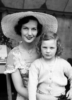 Jane Birkin with her mother Judy Campbell in 1951 | truity1967 flickr.