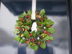 Old Farmer's Almanac Christmas Wreaths To Make, Autumn Wreaths, Holiday Wreaths, Christmas Holidays, Christmas Decorations, Handmade Christmas, Holiday Fun, Red Twig Dogwood, The Color Of Money