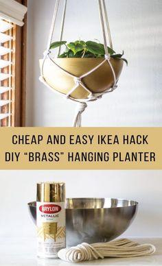 Is this DIY brass hanging planter the best IKEA hack of all time? Diy Hanging Planter, Diy Hanging Shelves, Planter Ideas, Mason Jar Crafts, Mason Jar Diy, Diy Home Decor Projects, Diy Projects To Try, Decor Ideas, Chalk Paint Mason Jars