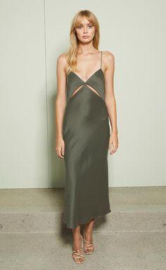Great for Bec Bridge Mila Midi Dress Khaki Size 8 Women Dresses from top store Dress Outfits, Dress Up, Fashion Outfits, Womens Fashion, Woman Outfits, Club Outfits, Khaki Dress, Green Dress, Bias Cut Dress