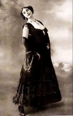 #MataHari | Folies Bergere | Comoedia Illustre | (July 20, 1913)
