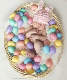 50 Tips & Ideas for Spring & Easter Photography Monthly Baby Photos, Newborn Baby Photos, Baby Monat Für Monat, Baby Pictures, Easter Pictures For Babies, Foto Baby, Newborn Baby Photography, Baby Boy Shower, Easter Baby