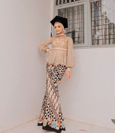 Graduation should be celebrated as the day of success, a long and challenging process. The result of many years of … Model Kebaya Brokat Modern, Kebaya Modern Hijab, Dress Brokat Modern, Kebaya Hijab, Kebaya Muslim, Model Rok Kebaya, Muslim Hijab, Kebaya Lace, Kebaya Dress