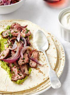 Wrap au bœuf et à l'oignon Recettes   Ricardo