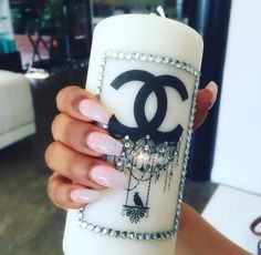Find images and videos about nails, luxury and chanel on We Heart It - the app to get lost in what you love. Chanel Inspired Room, Chanel Bedroom, Chanel Party, Chanel Decor, Glamour Decor, Chanel Makeup, Makeup Rooms, Diy Candles, Candle Gifts